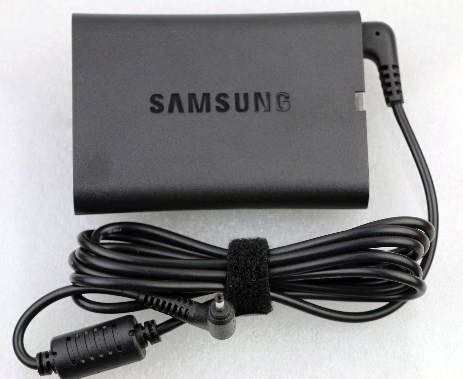 Chargeur 40w slim original Samsung ATIV Book 9 Plus NP940X3G-K01CL
